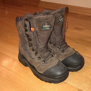 heavy duty boots